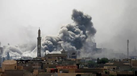 Η Αίγυπτος βομβαρδίζει βάσεις τρομοκρατών στη Λιβύη μετά τη σφαγή των Χριστιανών Κοπτών