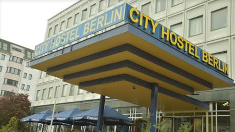 Η Γερμανία βάζει λουκέτο σε ξενοδοχείο στο Βερολίνο που ανήκει στη Βόρεια Κορέα (pics)