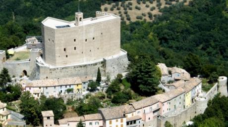 Η Ιταλία χαρίζει… πύργους και κάστρα