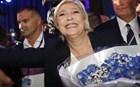 Η Μαρίν Λεπέν έκλεψε ομιλία του Φιγιόν για να συγκινήσει το πλήθος
