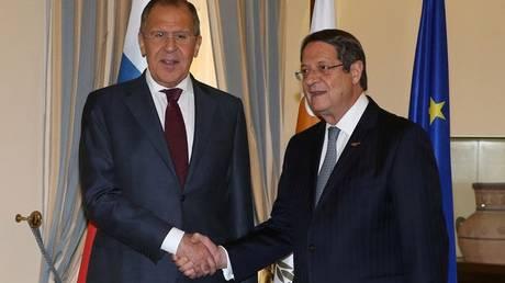 Λαβρόφ σε Αναστασιάδη: Η Μόσχα στηρίζει τις προσπάθειες επίλυσης του Κυπριακού