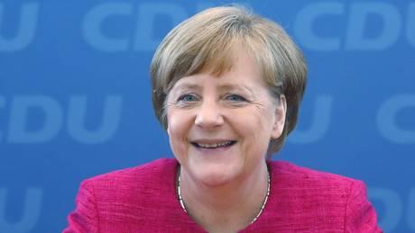 Μέρκελ: Ευκαιρία για την Ευρώπη η εκλογή Μακρόν