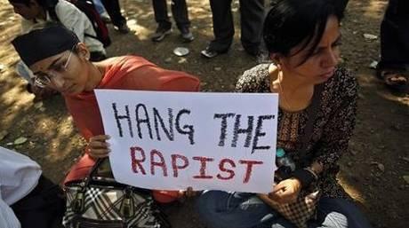 Νεαρός έπεσε θύμα κατ'επανάληψη βιασμού από συμμορία γυναικών