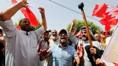 Πέντε νεκροί από «εισβολή» αστυνομικών σε διαδήλωση στο Μπαχρέιν (pics)