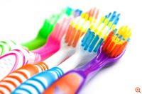 Πόσα βακτήρια φιλοξενεί μία οδοντόβουρτσα;