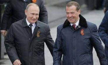 Ρωσία: Το 81% εγκρίνει το έργο του Πούτιν όχι όμως και του Μεντβέντεφ