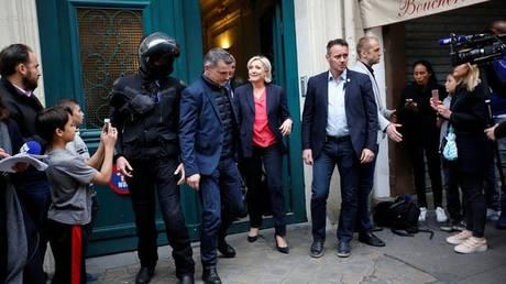 Σε 12 γαλλικά ΜΜΕ «απαγορεύτηκε» η κάλυψη στο στρατόπεδο της Λεπέν