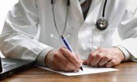 Στο ΣτΕ προσέφυγαν 64 ιατροί κατά απόφασης Αχτσιόγλου για του γιατρούς εργασίας