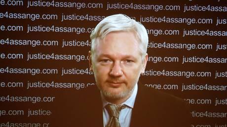 Στο αρχείο η έρευνα σε βάρος του Τζούλιαν Ασάνζ για βιασμό