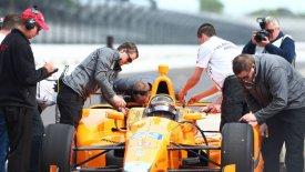 Bάπτισμα πυρός για τον Αλόνσο στα IndyCar (vid)