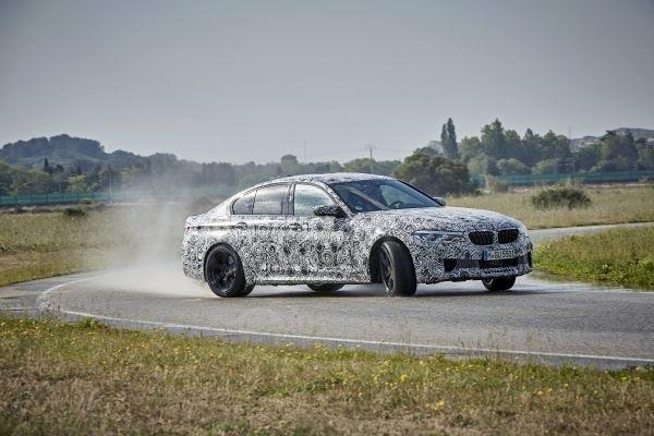 Oι κρυφές και φανερές αρετές της νέας BMW M5