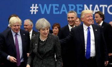 O Τραμπ έσπρωξε τον πρωθυπουργό του Μαυροβουνίου...και έγινε viral (vid)
