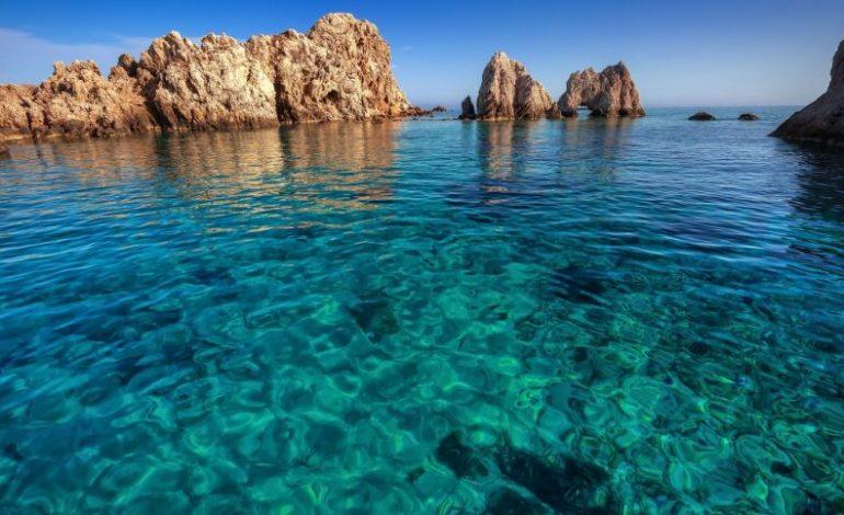 Αντίπαρος το μικρό Κυκλαδονήσι όπου κρύβεται ένα από τα αρχαιότερα σπήλαια του κόσμου!