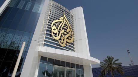 «Λουκέτο» στο Al Jazeera απαιτούν τα αραβικά κράτη από το Κατάρ για την άρση του εμπάργκο