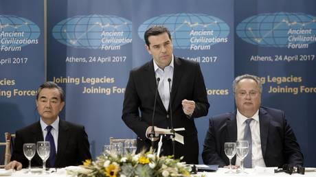 «Μπλόκο» της Ελλάδας σε κοινή δήλωση της ΕΕ κατά της Κίνας – Ο ρόλος της COSCO