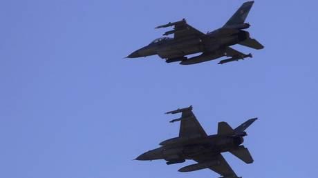 Αερομαχίες ΝΑΤΟϊκού F-16 με ρωσικό Su-27, υπό το βλέμμα του Ρώσου υπουργού Άμυνας