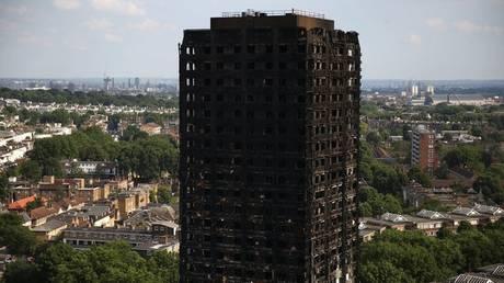 Ανησυχία στη Βρετανία από 600 πολυκατοικίες «ωρολογιακές βόμβες» όπως το Grenfell Tower