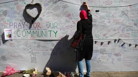 Αυξήθηκαν σε 17 οι νεκροί από την πυρκαγιά στο Λονδίνο, καμία ελπίδα για επιζώντες