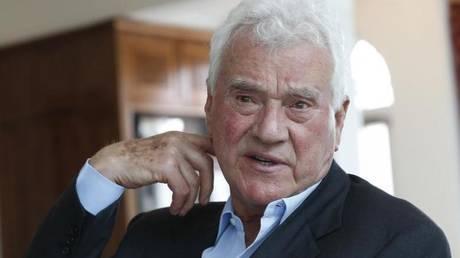 Αυστρία: Διαλύεται το κόμμα του δισεκατομμυριούχου Φρανκ Στρόναχ
