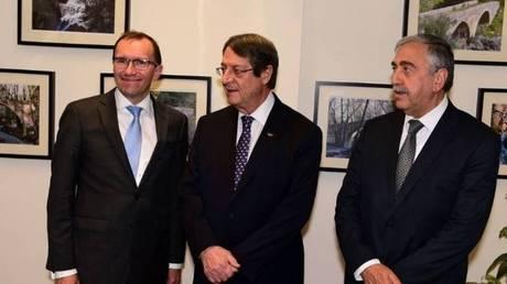 Κυπριακό: Διαβουλεύσεις Άιντε με Ακιντζί και Αναστασιάδη για το έγγραφο για την ασφάλεια