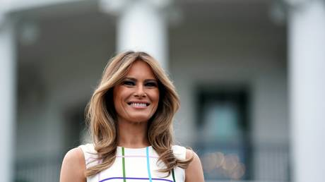 Μία… Ελληνίδα στον Λευκό Οίκο: Η Μελάνια Τραμπ εντυπωσιάζει με φόρεμα της Μαίρης Κατράντζου