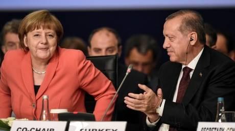 Νέες άγριες κόντρες Γερμανών-Τούρκων για τις δημόσιες εμφανίσεις Ερντογάν