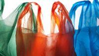 Πρωταθλητές στη χρήση της πλαστικής σακούλας οι Έλληνες με χρήση 440 τεμαχίων ανά άτομο ετησίως