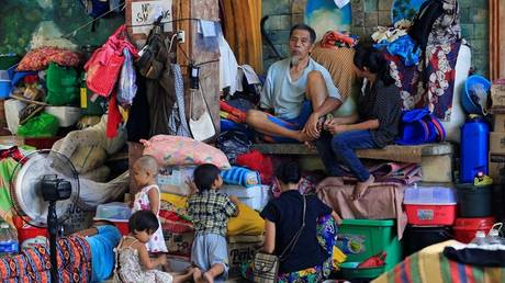 Τουλάχιστον 24 νεκροί σε καταυλισμούς στις Φιλιππίνες λόγω ασθενειών (pics)