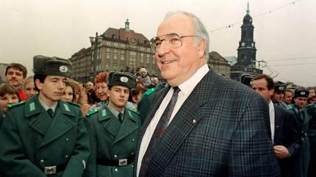 Χέλμουτ Κολ: Όσα δεν ξέρουμε για τον πατέρα της ενωμένης Γερμανίας