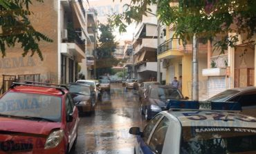 Ίλιον: Άντρας έπεσε από μπαλκόνι με καρφωμένο μαχαίρι στο λαιμό