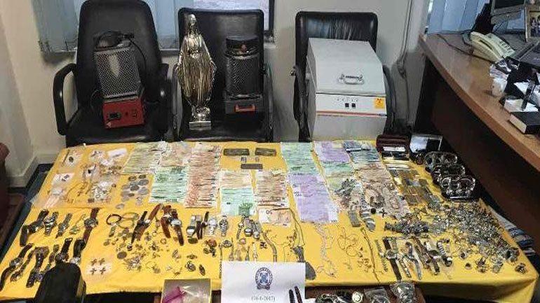 H σπείρα με τις «χρυσές» δουλειές – Χιλιάδες ευρώ και αντικείμενα αξίας εκατομμυρίων