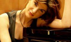 Η διακεκριμένη Κηφισιώτισα σολίστ πιάνου Ευγενία Παπαδήμα μιλάει για τον φόβο, τη μουσική και την κουλτούρα