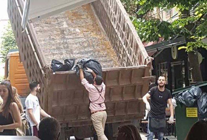 Οι Λαρισαίοι πήραν φορτηγό και μαζεύουν τα σκουπίδια μόνοι τους