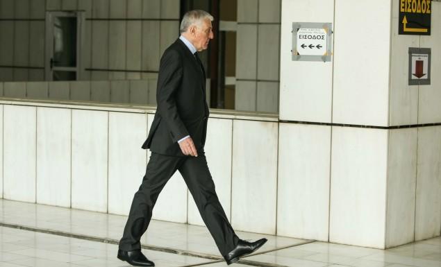 Άρχισε η δίκη του Γιάννου Παπαντωνίου – Απών από την αίθουσα ο πρώην υπουργός