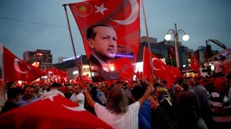 Αποκάλυψη: Ο Ερντογάν ήταν ο ενορχηστρωτής του αποτυχημένου πραξικοπήματος