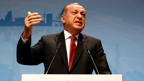 Αυστηρή προειδοποίηση του Ερντογάν στους Κούρδους της Συρίας