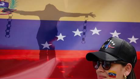 Βενεζουέλα: Σε 24ωρη απεργία καλεί η αντιπολίτευση