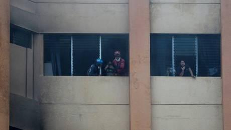 Ελ Σαλβαδόρ: Φονική πυρκαγιά στο ΥΠΟΙΚ-Εγκλωβισμένος πήδηξε στο κενό για να σωθεί από τις φλόγες
