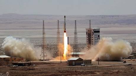 Ιράν: Η Τεχεράνη ολοκλήρωσε επιτυχώς μια δοκιμαστική εκτόξευση διαστημικού πυραύλου