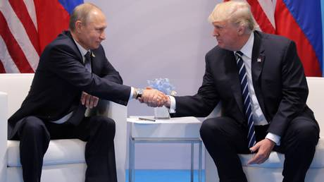 Οι Ρώσοι άρχισαν ξαφνικά να συμπαθούν τον Ντόναλντ Τραμπ