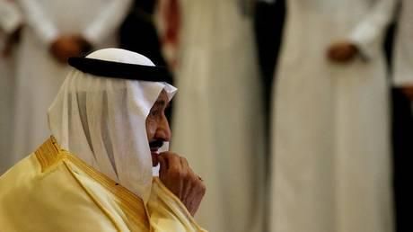 Σαουδική Αραβία: Αρθρογράφος εξύμνησε υπερβολικά τον βασιλιά και αυτός τον απέλυσε