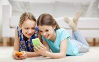 Τα social media προκαλούν επιπρόσθετο άγχος στα νέα παιδιά