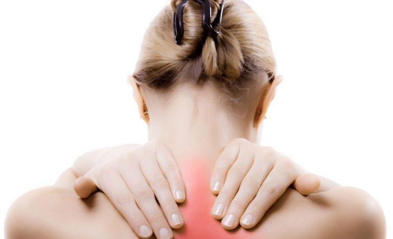 Ψύξη στον αυχένα: Τι να κάνετε για να φύγει πιο γρήγορα ο πόνος