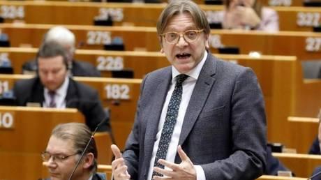 Brexit: Συμμετοχή του Κόρμπιν στις διαπραγματεύσεις ζητά ο Γκι Φέρχοφστατ