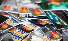 Μετρητά τέλος - Με χρεωστικές και πιστωτικές κάρτες οι πληρωμές φόρων