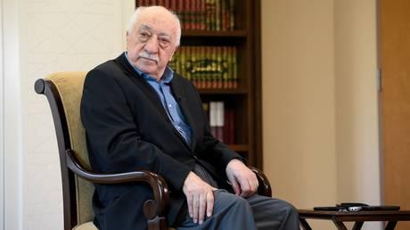 O Γκιουλέν καταδικάζει το «επαίσχυντο πραξικόπημα» του 2016 και την καταδίωξη του