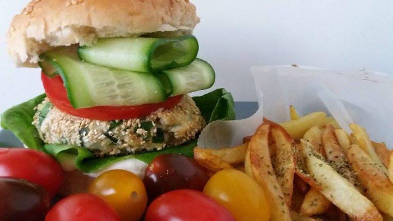 Fish Burger! Το μπιφτέκι ψαριού σε ένα υγιεινό burger που θα σας τρελάνει