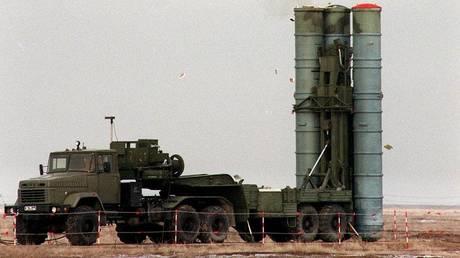 Έπεσαν οι υπογραφές για την πώληση των ρωσικών S-400 στην Τουρκία