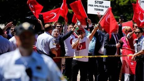 Απαγγέλθηκαν κατηγορίες στους σωματοφύλακες του Ερντογάν για τα επεισόδια στις ΗΠΑ