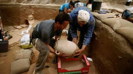 Κίνα: Σύλληψη 22 τυμβωρύχων – Μεγάλης πολιτιστικής αξίας τα αντικείμενα